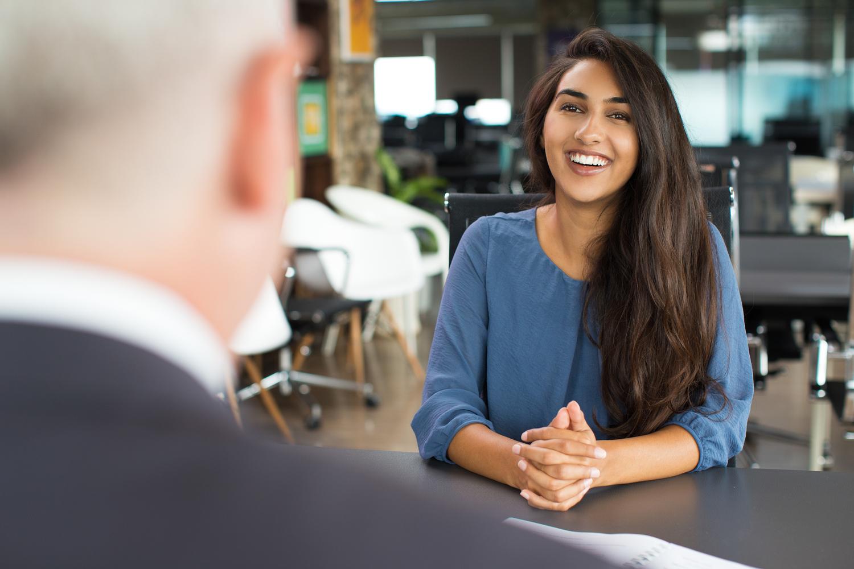 Ocho cosas esenciales para llevar a tu entrevista